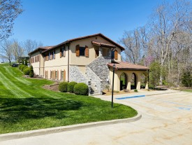 2400 Bluff Creek Dr. (2,700 sq ft) Columbia, MO  65201
